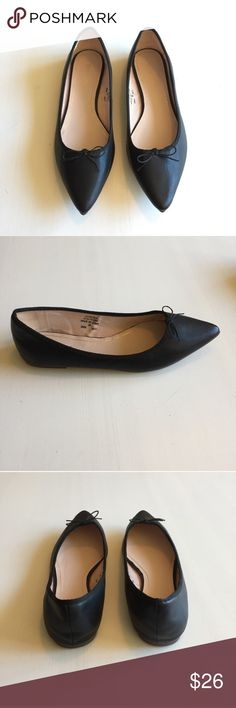 NWT Topshop Pointed Toe Black Ballet Flats w/ Bow These adorable and classic black ballet flats are NWT! They are too small for me because the sticker was mislabeled and they are truly a size 8 (as shown in picture of size 38 printed on inside of shoe). They feature a cute / subtle bow on top. One sole has a subtle black mark that is from rubbing against another shoe when I moved (they haven't been worn). Great shape, they are perfect for the office or going out! Easy to dress up or down…
