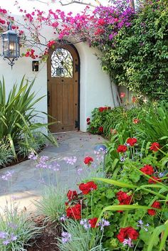 38 Eye-Catching Mediterranean Backyard Garden Décor Ideas | Gardenoholic