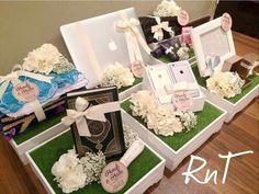 Super Wedding Gifts For Bride And Groom Basket Products Ideas Wedding Gift Wrapping, Wedding Gift Boxes, Wedding Cards, Wedding Favors, Wedding Stuff, Wedding Gifts For Bride And Groom, Bride Gifts, Ramadan Gifts, Wedding Rituals