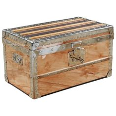 2016 Small Trunk in Copper and Brass, Malle Cuivre Piece Unique | From a unique collection of antique and modern trunks and luggage at https://www.1stdibs.com/furniture/more-furniture-collectibles/trunks-luggage/