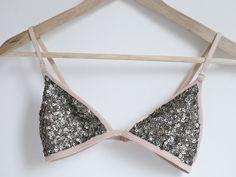 DIY Sequin Triangle Bra...  http://www.bloglovin.com/m/1735844/381551797/a/0/aHR0cCUzQSUyRiUyRmFwYWlyLWFuZGFzcGFyZS5ibG9nc3BvdC5jb20lMkYyMDEyJTJGMDElMkZkaXktc2VxdWluLXRyaWFuZ2xlLWJyYS5odG1s