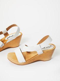 827090e38116 24 Best clogs shoes images