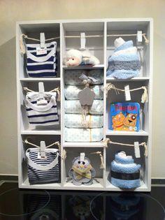 Letterbak gevuld met babyartikelen, Kraamcadeau jongetje. Info: http://joleenskraamcadeaus.wix.com/kraamcadeau#!product/prd1/1651106865/gevulde-letterbak