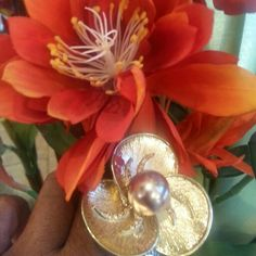 Gold flower statement ring