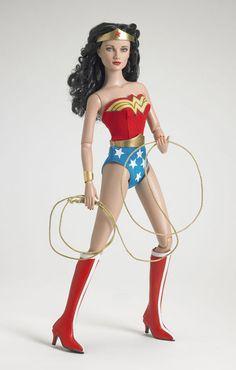 images of 1648 women   Todavía me queda un poco de Wonderwoman.. ! I love it!