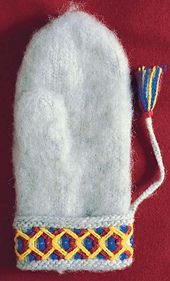 Pattern for a traditional mitten in the style first created by Erika Aittamaa 120 years ago, interpreted by knitters in the Handicraft Guild of Norrbotten's Län. Fingerless Mittens, Mitten Gloves, Crochet Mitts, Crochet Hooks, Knit Crochet, Wrist Warmers, Hand Warmers, Swedish Embroidery, Tejidos