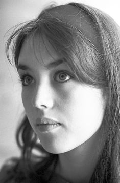 Don't laugh at me! I was once like you! Isabelle Adjani, Divas, Celebrity Twins, Sophie Marceau, French Beauty, French Actress, Monica Bellucci, Vintage Glamour, Film Stills