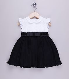 Different types of frocks designs - Simple Craft Ideas Fashion Kids, Young Fashion, Toddler Girl Dresses, Little Girl Dresses, Girls Dresses, Niñas Carters Baby, Kids Blouse Designs, Frock Design, Baby Couture