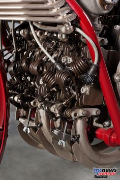 Vintage Cycles, Vintage Bikes, Vintage Motorcycles, Motorcycle Engine, Motorcycle Style, Triumph Motorcycles, Cars And Motorcycles, Motorbike Parts, Cafe Racing