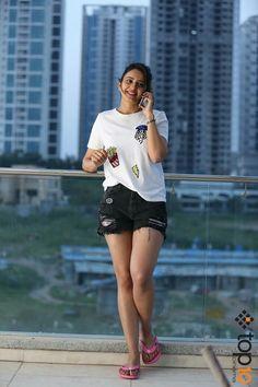 Rakul preet in sexy Shorts - South Actress Seductive photos Punjabi Actress, Indian Film Actress, Bollywood Actress, Indian Actresses, South Actress, South Indian Actress, Beautiful Indian Actress, Beautiful Actresses, Bollywood Celebrities