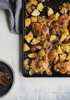 Ça, c'est une nouvelle recette de poulet à la portugaise que j'ai créée dans le cadre d'un petit dîner auquel on a participé pour lancer la campagne Je carbure à la précision de Bayer, dont Alex est ambassadeur. Confort Food, Clean Eating, Healthy Eating, One Pot Dishes, Portuguese Recipes, Rotisserie Chicken, Perfect Food, Main Meals, Cooking Recipes