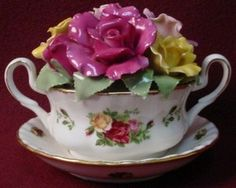 ROYAL ALBERT OLD COUNTRY ROSES MUSICAL Cup of Soup BOUQUET