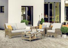 Ryhmä sisältää sohvan, 2 nojatuolia sekä sohvapöydän. Pehmusteet sisältyvät hintaan!