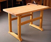 Free simple-to-build workbench woodworking plan