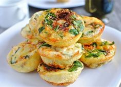 Mini Frittatas  19 Super Easy Healthy Lunch Ideas Perfect For Bringing To Work - Oola.com