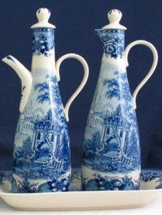 Oil & Vinegar set - Blue & White French