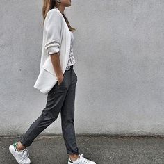 Casual Friday: 11 minimal look για να δείτε τι θα φορέσετε | μοδα , street style | ELLE
