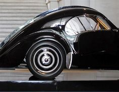 Bugatti 57SC Atlantic - Bugatti was a genuis and this silhouette is gorgeous