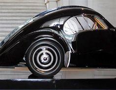 Bugatti 57SC Atlantic - Bugatti was a genuis and this silhouette is gorgeous