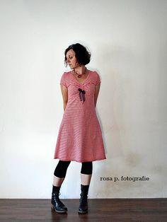 rosa p.: dirndl interpreation mit sieben meilen stiefeln