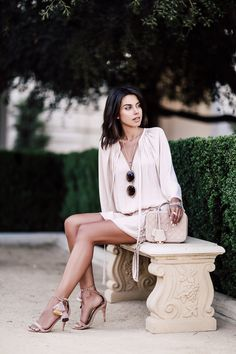 Pastel Summer Outfit: pink dress + nude fringe heels + Chanel Vanity Case Bag
