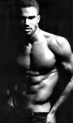 Shemar Moore is waaay too sexy. Bernardo Velasco, Gorgeous Men, Beautiful People, Pretty Men, Pretty Boys, Actrices Sexy, Le Male, Just Dream, Dream Man