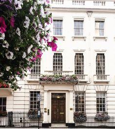 """372 Likes, 3 Comments - My Darling Londres (@mydarlinglondres) on Instagram: """"We are ready for Christmas! O lugar mais charmoso para deixar a sua carta endereçado ao bom…"""""""