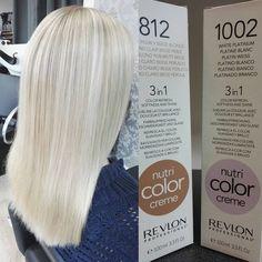 No photo description available. Aveda Hair Color, Hair Color Balayage, Ice Hair, Creative Hair Color, Estilo Cool, Perfect Hair Color, Hair Color Formulas, Bleach Blonde Hair, Hair Toner