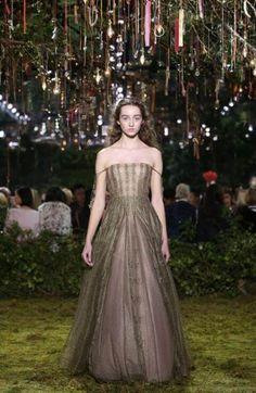 Dior Frühjahr/Sommer 2017 Haute Couture Show Paris