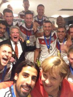 GROUP SELFIE WITH ANGELA MERKEL!!! YOU DID IT GERMANY!