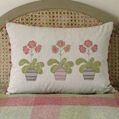Beautiful handmade cushion featuring three Auriculas appliqued in Mika fabric on natural base. Applique Cushions, Dog Cushions, Embroidered Cushions, Kilim Cushions, Throw Pillows, Cushion Pads, Cushion Covers, Applique Tutorial, Applique Ideas