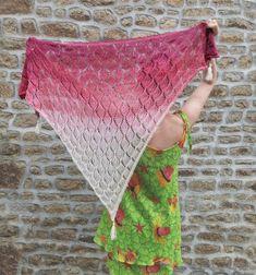 Autumn Falling Leaves Shawl Lace Knitting, Knitting Patterns Free, Knitting Needles, Crochet Patterns, Falling Leaves, Fade Color, Sock Yarn, Knitted Shawls, Yarn Needle