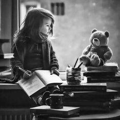 ما أجمل الحياة عندما تعيش لأجل حلم حتى لو كان صعبآ.. ♡ وما أصعب الحياة عندما نعيشها بلا حلم ..!!