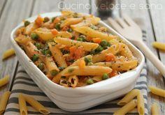 La pasta al forno con verdure e robiola è molto gustosa e leggera e si prepara in pochissimo tempo.