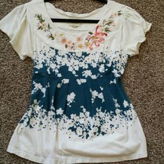 """Anthropolgie embroidered top Gorgeous soft shirt with sturdy embroidery and very little wear. This is a reposh that unfortunately I am too busty for :(       """"deletta"""" brand, very well made products Anthropologie Tops Tees - Short Sleeve"""