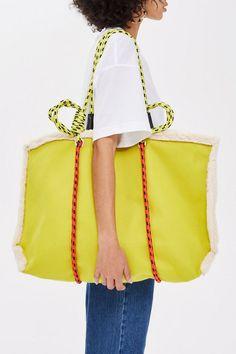 Blanket Rope Tote Bag - Bags & Purses - Bags & Accessories - Topshop Europe Source by Bags purses Shopper Tote, Tote Bag, Duffle Bags, Shoulder Handbags, Shoulder Bag, Sacs Design, Back Bag, Fabric Bags, Branded Bags