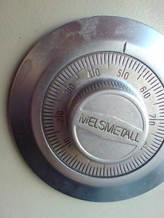 How to Troubleshoot to Open Safe Combination Locks Combination Safe, Antique Safe, Safe Vault, Safe Lock, Home Security Tips, Survival Skills, Boxes, Storyboard, Vr