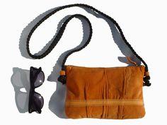 Recycled leather bags. Bolsos de cuero reciclado.