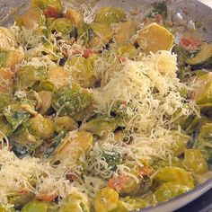 Creamy Bacon Brussels Sprouts is a perfect side dish to any meal sidedish Christmas holidaysidedish brusselssprouts bacon newyears Veggie Side Dishes, Side Dish Recipes, Vegetable Dishes, Vegetable Recipes, Food Dishes, Keto Recipes, Vegetarian Recipes, Cooking Recipes, Healthy Recipes
