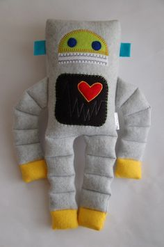 Robot Plushie Medium by SnowMachine on Etsy Sewing Toys, Baby Sewing, Sewing Crafts, Sewing Projects, Baby Crafts, Felt Crafts, Fabric Crafts, Diy Couture, Fabric Toys