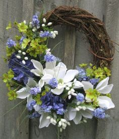 Improve your front entryway for spring with these simple thoughts for truly flower wreaths and wonderful hanging plans. Pastel hues and springtime components, for example, watering jars and charming umbrellas make incredible increases to your front entryway improvements for spring. Deck your front entryway with one of our beautiful, spring propelled entryway improvements! We have […] Spring Wreaths, Summer Door Wreaths, Easter Wreaths, Wreaths For Front Door, Holiday Wreaths, Floral Wreaths, Mesh Wreaths, Wreath Ideas, Wreath Crafts