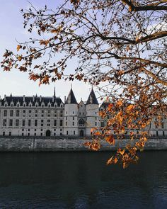Fairytale Paris, La Conciergerie