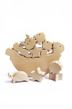 Sea Animal Wooden Balance Toy - Wooden Balancer Game - Educational set - Christmas gift par WoodAndYarnToys sur Etsy https://www.etsy.com/fr/listing/225190123/sea-animal-wooden-balance-toy-wooden