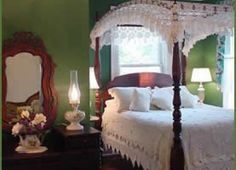 bedspreads for poster beds | antique lovers and honeymoon suite our most romantic accomodation ...