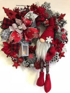 Christmas Wreaths for Front Door, Nordic Gnome, Christmas Mantel Coronas Navideñas para Puerta Princ Christmas Wreaths For Front Door, Christmas Mantels, Outdoor Christmas Decorations, Holiday Wreaths, Holiday Decor, Winter Wreaths, Snowman Decorations, Spring Wreaths, Summer Wreath