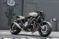Yamaha XJR1300 - Deus - BikeExif
