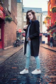 From sporty kicks to slip-on styles, these 85 outfits will show you how to style your sneakers this spring. They are sure to look great with jeans and a classic pair of Rodenstock glasses or sunglasses.