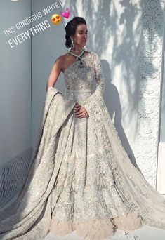 Source by ideas indian Asian Bridal Dresses, Indian Bridal Outfits, Pakistani Bridal Dresses, Pakistani Wedding Dresses, Indian Designer Outfits, Wedding Gowns, Anarkali, Lehenga, Pakistani Bridal Couture