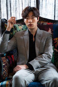 Korean Street Fashion, Korea Fashion, Asian Actors, Korean Actors, Ryu Joon Yeol, Korean Drama Movies, Male Poses, Girl Day, Pretty People