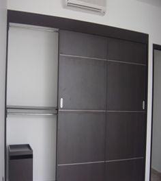 Elegante closets en color chocolate
